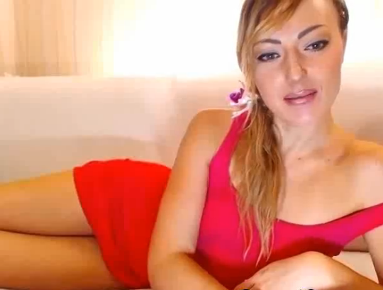 Hot Euro Blonde Climaxes and Gets Soaking Wet HD