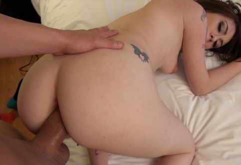 Playful amateur convinces her man to fuck her in the ass on camera