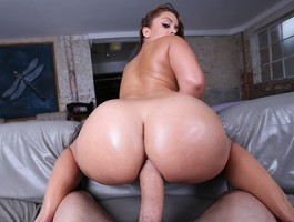 Brazzers - Liza Del Sierra gets her ass pounded