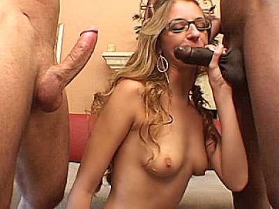 Amateur girlfriend interracial threesome with facials
