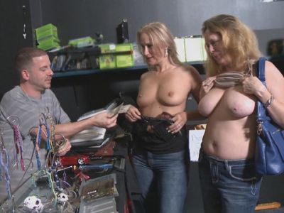 Girls flashing tits really. happens