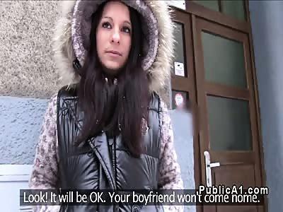 Czech babe fucks public fake agent