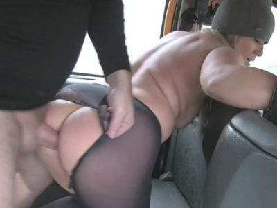 Sexy milf got a quickie in the backseat for a free fare