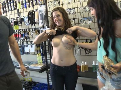 public in Girls boobs flashing