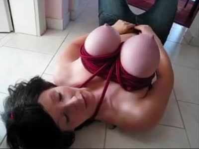 Incredible tits on this amateur wife
