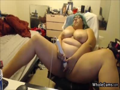 Flashy BBW Courtesan