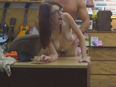Tight woman rammed by horny pawn dude at the pawnshop