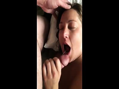 Milf loves to make him cum in her mouth