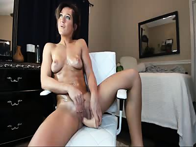 Fitness Tanned Mom Amazing Orgasms