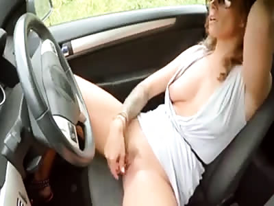 Girl masturbating in car - nicolo33